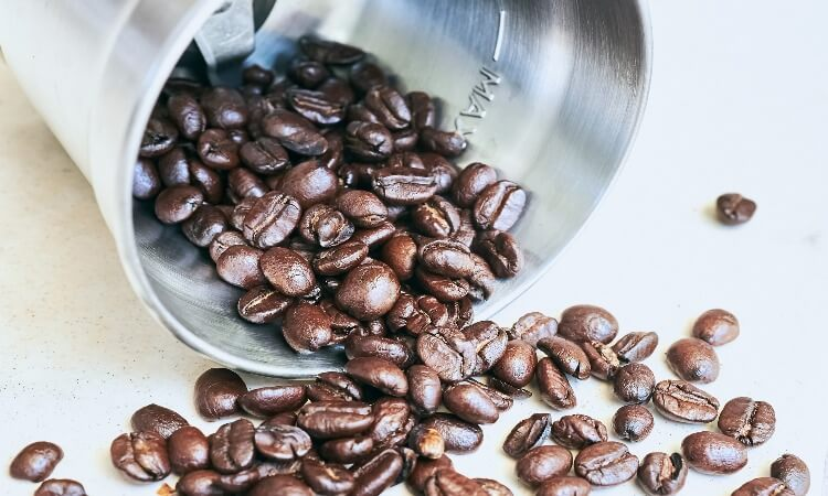How To Grind Coffee Beans With A Blender?