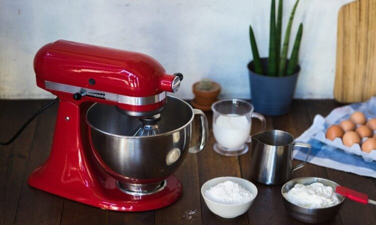 What Is A Stand Mixer? – Pros And Cons Of Using One